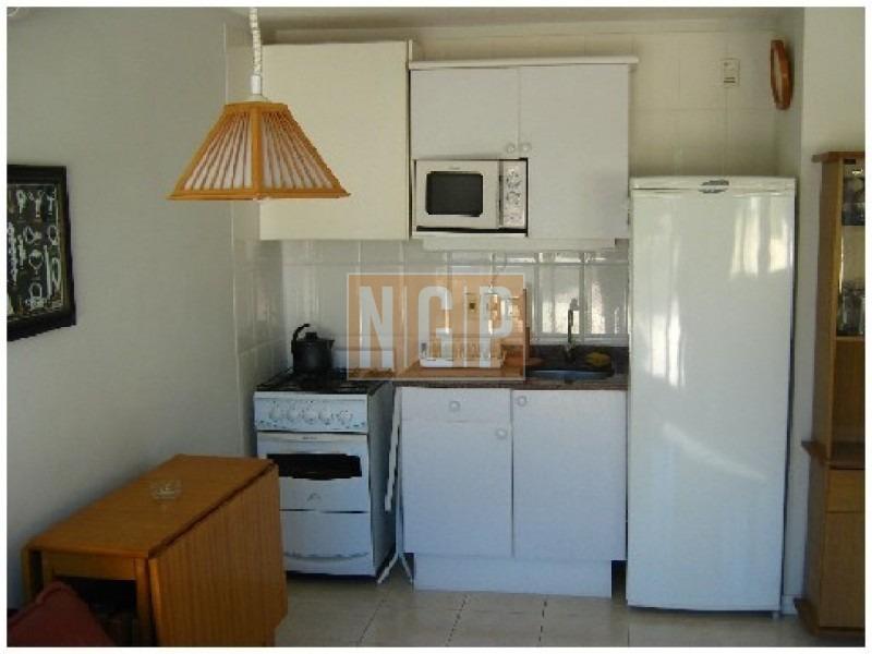 roosevelt, punta del este ! , cómodo y muy luminoso . lindos muebles!  +++++++++++++solamente en alquiler de temporada de verano**-ref:16660