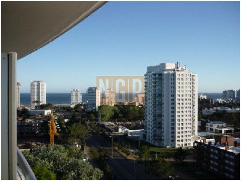 roosevelt, punta del este piso alto con vista al mar! , cómodo y muy luminoso . modenos muebles!  -ref:14175