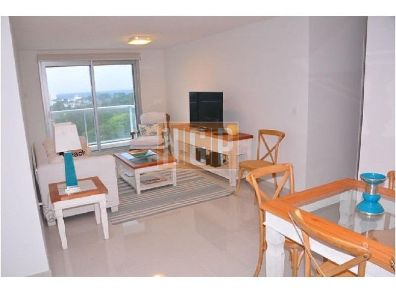 roosevelt, punta del este piso alto con vista al mar!  modenos muebles!  -ref:13811