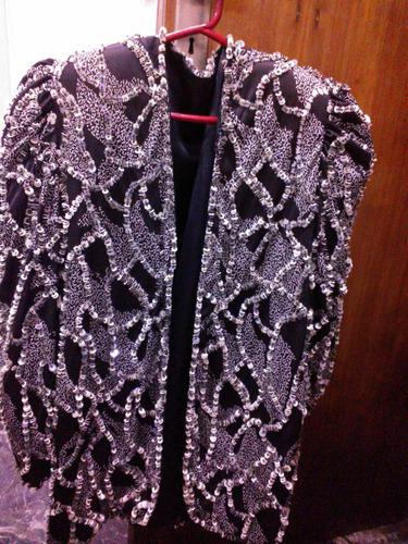ropa vintage bordada  tapado-