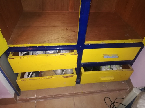 ropero, closet 2 puertas, 4 cajones