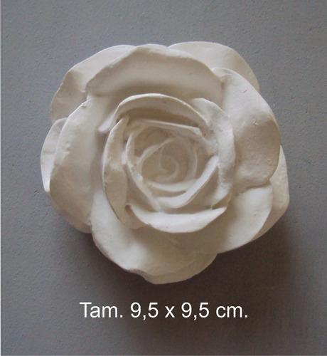 rosa de resina em branco (9,5 x 9,5)