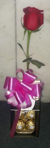 rosa,flores,bombones ferrero rocher.envios a domicilio.