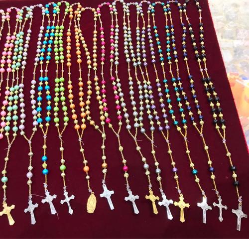 rosario de plástico varios colores (12piezas)