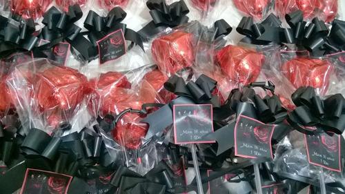rosas de chocolate macizas o rellenas con dulce de leche