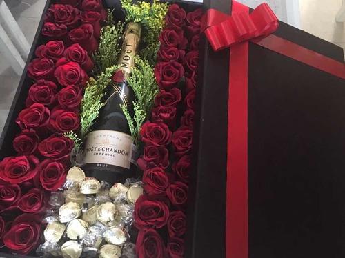 rosas en caja $1900