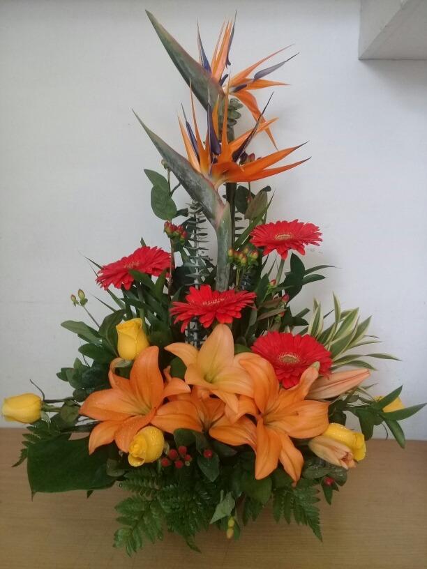 Rosas Lilium Gerberas Arreglo Floral Flores