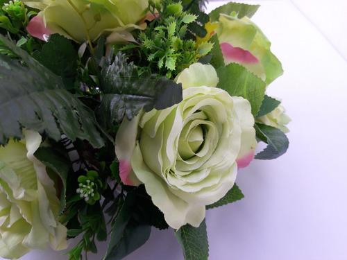 rosas verde artificiais para decorar sua mesa de jantar