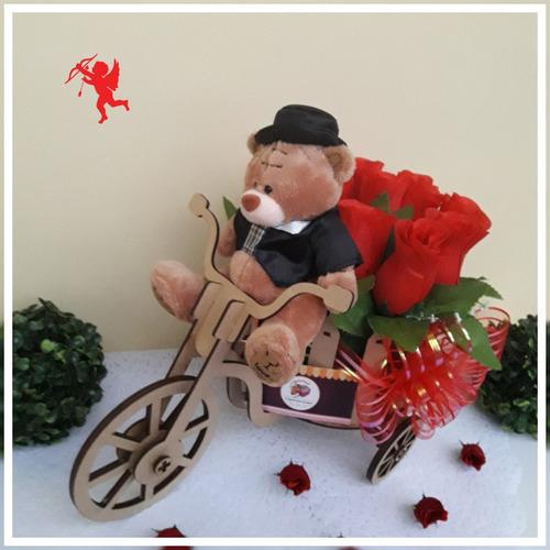 rosas y agleros florales