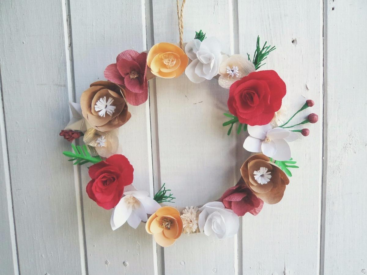 Rosca Corona Navideña Flores De Papel Decoración