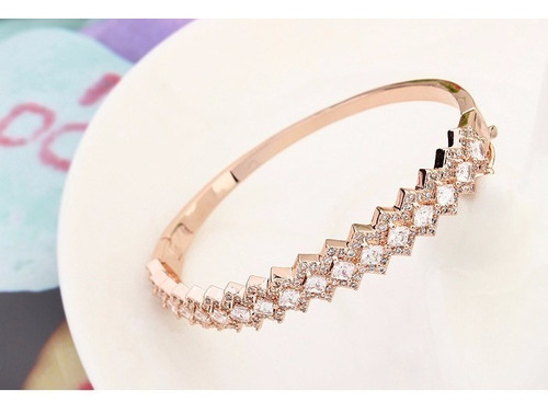 rose gold bangle w/clear crystals