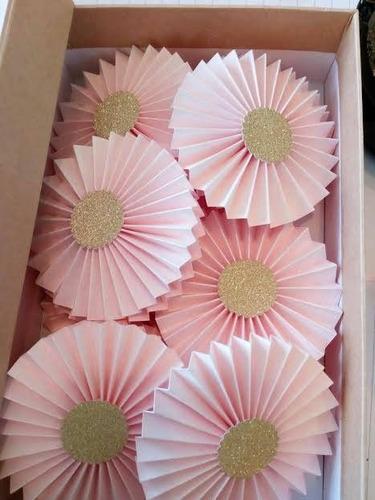rosetas de cartulina para fiesta