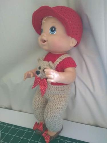 roupa baby alive crochê jardineira bege e vermelha com urso