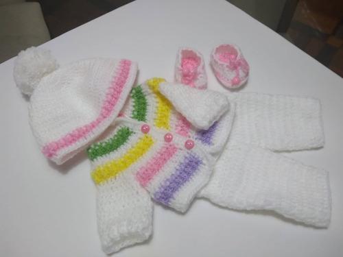 roupa baby alive de crochê branca com listras e chapéu