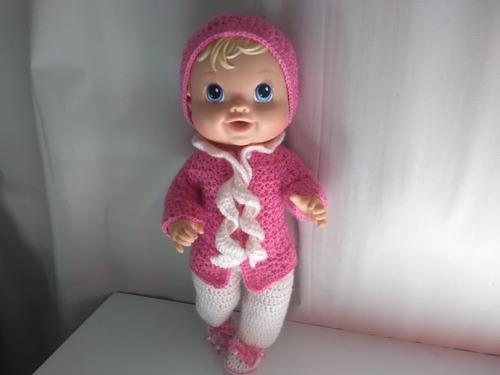 roupa baby alive de inverno em crochê rosa com cachecol