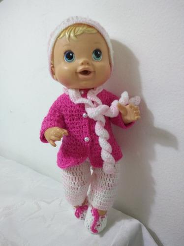roupa baby alive de inverno rosa e branca em crochê