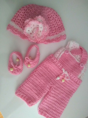 roupa baby alive em crochê jardineira rosa com chapéu