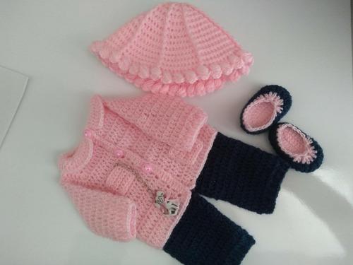 roupa baby alive em crochê rosa e azul marin com correntinha