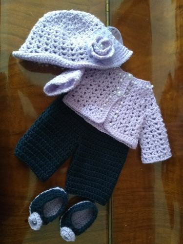 roupa baby alive em crochê roxa e azul marinho
