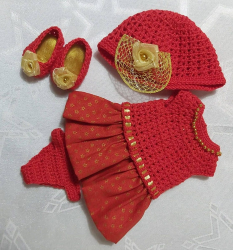roupa baby alive vermelha com dourado em crochê e pano