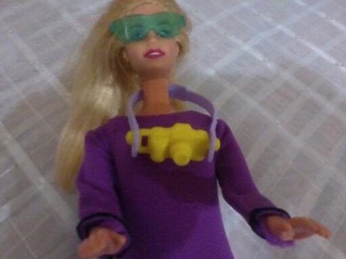 roupa mergulhadora boneca barbie +acessórios (boneca grátis)