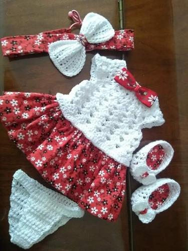 roupa para baby alive em crochê e pano vermelha branca