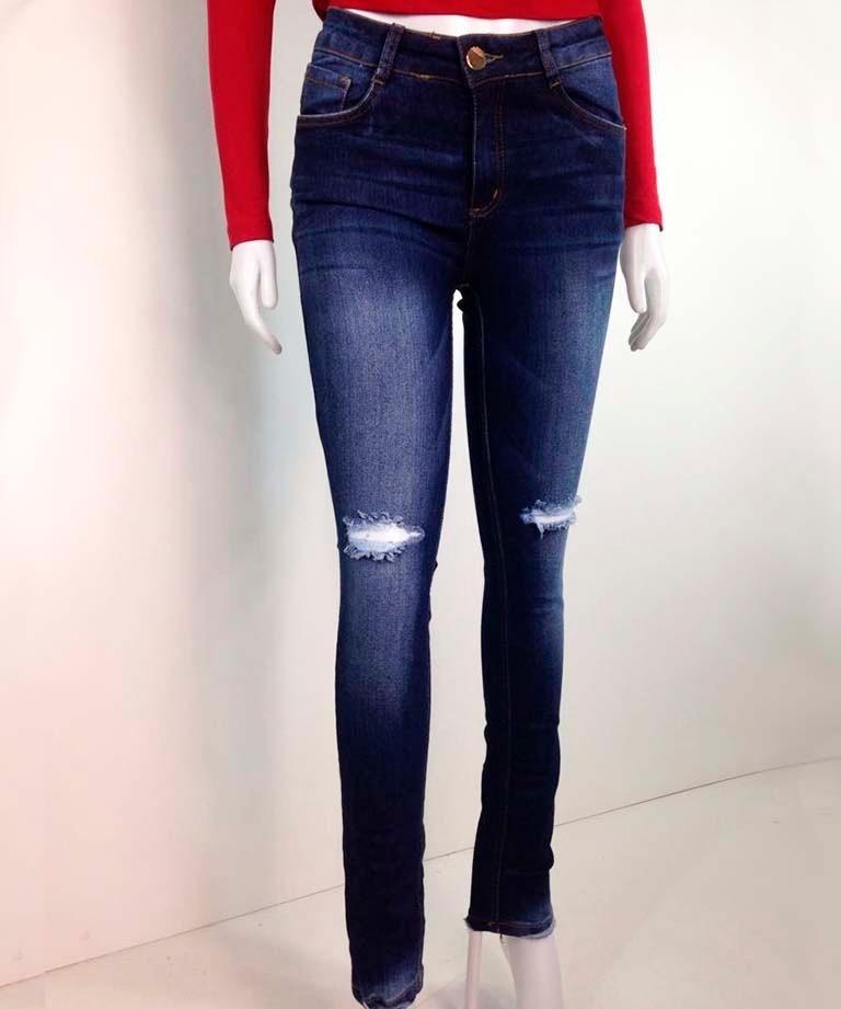 38a867830 roupas femininas calça jeans rasgo nos joelhos moda 2018. Carregando zoom.