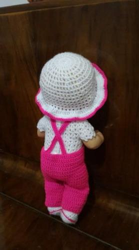 roupinha baby alive crochê jardineira rosa e branca