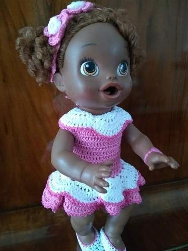 roupinha baby alive vestidinho crochê rosa escuro e branco