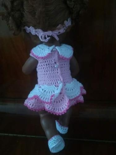 roupinha baby alive vestidinho em crochê rosa claro e branco