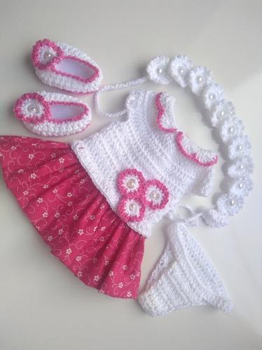 roupinha baby alive vestidinho pano e crochê com flor rosa