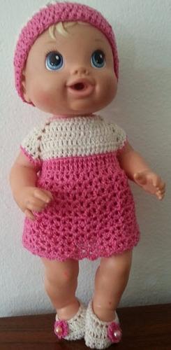 roupinha de crochet rosa e branca para baby alive