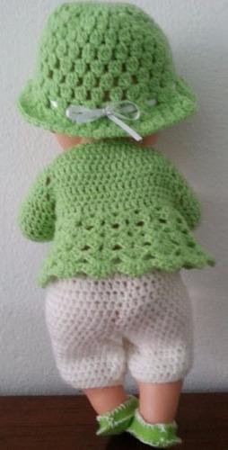 roupinha de crochet verde e branca para boneca baby alive