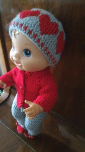 roupinha para baby alive de crochê inverno cinza e vermelha