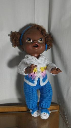 roupinha para baby alive em crochê colorida
