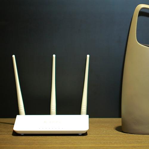 router inalámbrico wi-fi tenda n300 con antenas de alta p