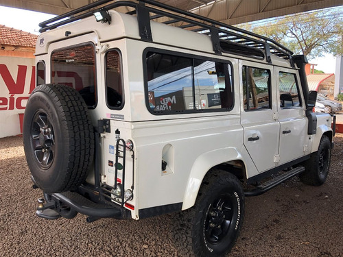 rover defender land