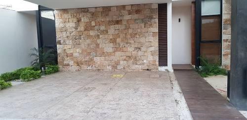 rr-17010 townhouse en renta de 2 habitaciones en santa gertrudis copó