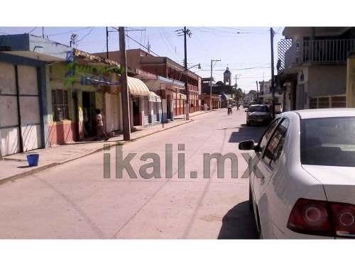 rrento local comercial 133 m² céntrico tamiahua veracruz, se encuentra ubicado en la calle miguel hidalgo # 8 de la colonia centro, cuenta con 154 m² de terreno y 133 m² de construcción, los servicio