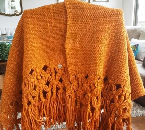 ruana o manta tejida a telar  manual con lana 100% oveja