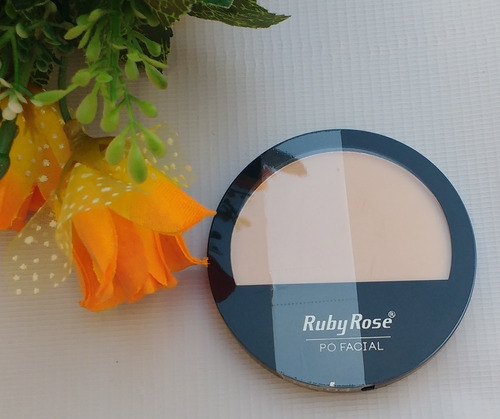 ruby rose compacto