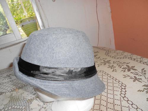 ruby***sombrero gris con negro***
