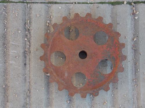 rueda antigua de hierro   20 cms de diametro
