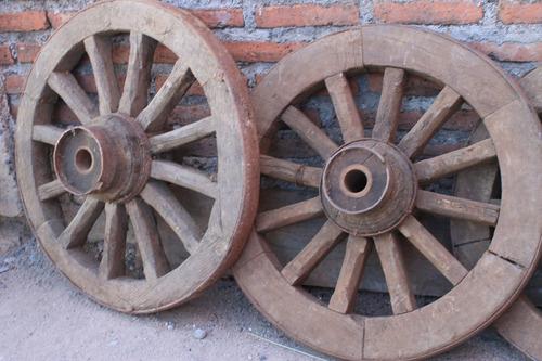 rueda de carreta de madera antigua en talca (par)
