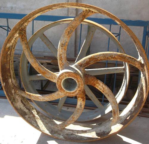 rueda de fierro antigua de 100 centímetros de díametro