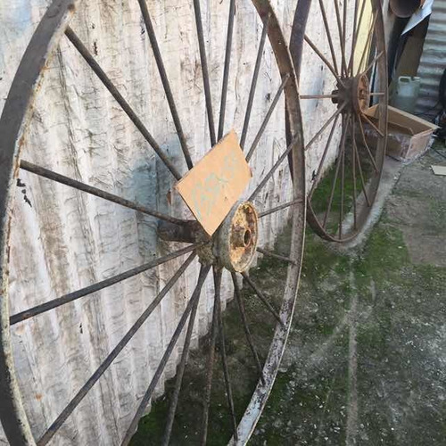 rueda sembradora antigua de hierro goya