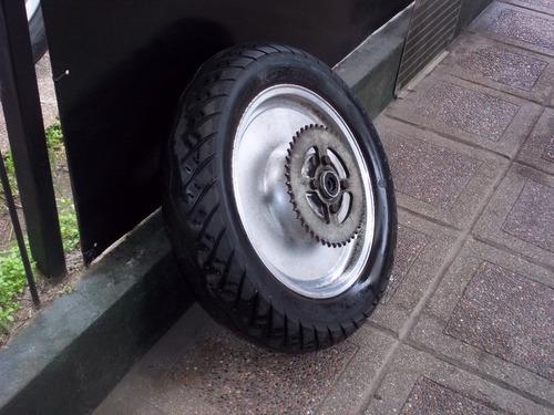 rueda trasera completa imitacion virago..  motor en v
