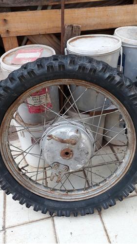 ruedas de moto antigua marca sertum.