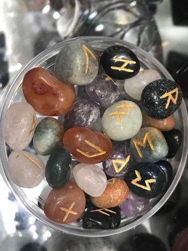 runas cuarzos de colores adivinación, prosperidad