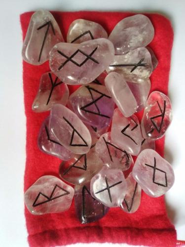 runas vikingas en cuarzo grabadas bolsa de tela roja